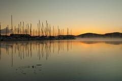 Nascer do sol no clube do sailboat Imagens de Stock Royalty Free