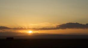 Nascer do sol no deserto de Gobi Imagens de Stock Royalty Free