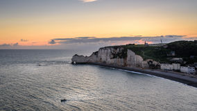 Nascer do sol no etretat Fotografia de Stock Royalty Free