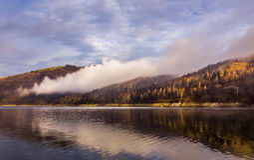 Nascer do sol no lago Fotos de Stock