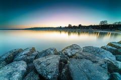 Nascer do sol no lago Genebra em Genebra, Suíça Fotos de Stock