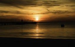 Nascer do sol no mar Foto de Stock Royalty Free