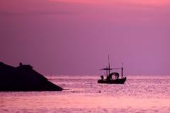 Nascer do sol no oceano Imagens de Stock Royalty Free