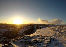 Nascer do sol no parque nacional de Pingvellir, Islândia imagens de stock royalty free