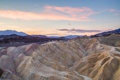 Nascer do sol no ponto de Zabriskie no parque nacional de Vale da Morte, Califórnia, EUA Imagem de Stock