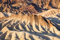 Nascer do sol no ponto de Zabriskie no parque nacional de Vale da Morte, Califórnia, EUA Imagem de Stock Royalty Free