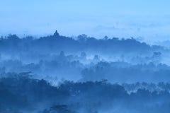 Nascer do sol no templo Borobudur imagens de stock