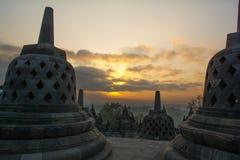 Nascer do sol no templo budista de Borobudur, Java Island, Indonésia Imagem de Stock Royalty Free