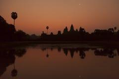 Nascer do sol no templo de Angkor Imagens de Stock