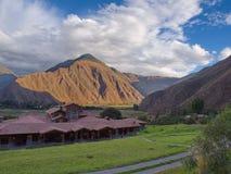 Nascer do sol no vale sagrado, Peru foto de stock