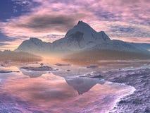 Nascer do sol Snow-covered do vale da montanha Fotos de Stock Royalty Free