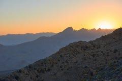 Nascer do sol sobre as montanhas Fotografia de Stock Royalty Free