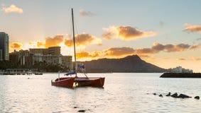 Nascer do sol sobre a cabeça do diamante de Waikiki Havaí Imagem de Stock