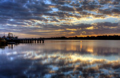 Nascer do sol sobre a entrada do lago, Austrália Fotografia de Stock