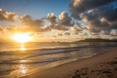 Nascer do sol sobre Kailua, Havaí Fotos de Stock
