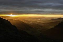 Nascer do sol sobre Langdale Foto de Stock Royalty Free