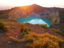 Nascer do sol sobre a montagem Kelimutu Fotografia de Stock Royalty Free