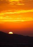 Nascer do sol sobre a montanha Fotografia de Stock Royalty Free