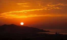 Nascer do sol sobre a montanha Foto de Stock