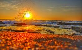 Nascer do sol sobre o mar Fotografia de Stock