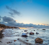 Nascer do sol sobre o mar Báltico na ilha Rugen, Alemanha Imagem de Stock
