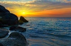 Nascer do sol sobre o mar de Andaman Fotografia de Stock Royalty Free
