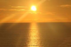 Nascer do sol sobre o oceano 10 Fotografia de Stock Royalty Free