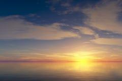 Nascer do sol sobre o oceano calmo Fotografia de Stock Royalty Free