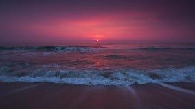 Nascer do sol sobre o vídeo do mar video estoque