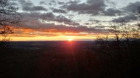 Nascer do sol sobre o vale Imagens de Stock Royalty Free