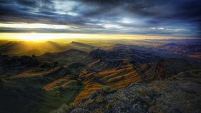 Nascer do sol sobre o vale Imagem de Stock