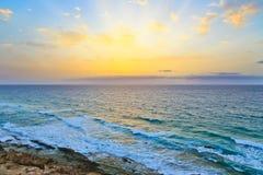 Nascer do sol sobre Oceano Atlântico Imagem de Stock