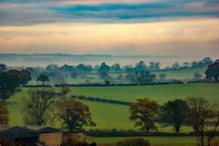 Nascer do sol sobre os charnecas de Staffordshire Foto de Stock Royalty Free
