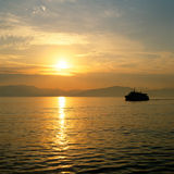 Nascer do sol sobre os consoles gregos Foto de Stock