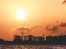 Nascer do sol tropical em Maldivas fotos de stock