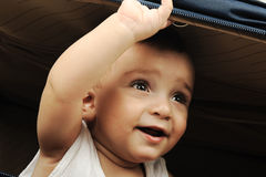 Nascondersi del bambino del bambino Fotografia Stock Libera da Diritti