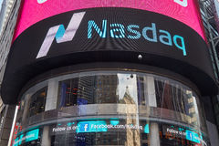 Nasdaq Marketsite in 4 Times Square, in New York stockbild