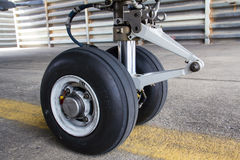 Nasenfahrwerk von Flugzeugen Lizenzfreie Stockfotografie