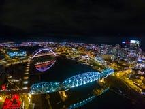 Nashville Cumberland rzeka przy nocą obrazy stock