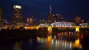 Nashville nocą - widok nad linia horyzontu zbiory wideo
