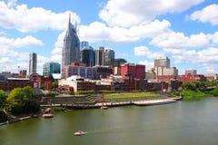 Nashville-Skyline an einem sonnigen Tag stockfotos