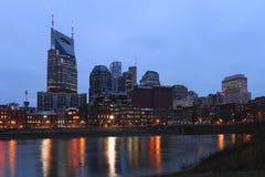 Nashville, Tennessee centrum miasta po zmroku zdjęcia stock