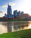Nashville Tennessee horisont från Cumberland parkerar royaltyfri fotografi