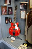 Elvis Presleys guitar at Willie Nelson and Friends museum and general store. NASHVILLE, TENNESSEE, USA - MARCH 20, 2018: Elvis Presley's artifacts displayed at Stock Images