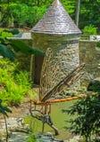 Nashville, TN Etats-Unis - découpage du bois géant de libellule de parc de Cheekwood Photos stock