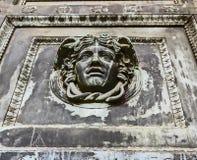 Nashville TN USA - hundraårsjubileet parkerar detaljen för Parthenonkopiadörren royaltyfria bilder