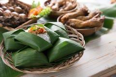 Nasi angkringan ή nasi ινδονησιακός παραδοσιακός Στοκ Εικόνες