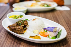 Nasi Lemak Ayam Rendang Royalty-vrije Stock Afbeelding