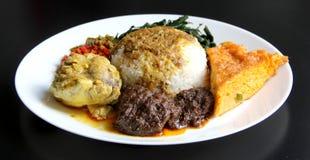 Nasi Padang con Rendang fotografie stock libere da diritti