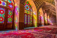 Nasir Al-Mulk Mosque-het bidden ruimteatmosfeer Stock Afbeeldingen
